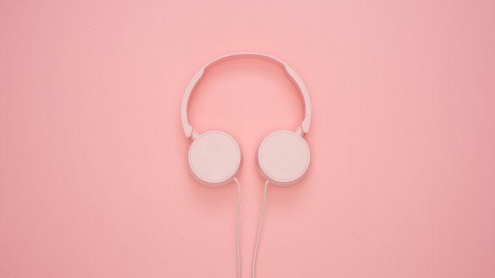 abstract art background 1037999 720x405 - 音声メディアの社会性とサウンドスケープ~ヘッドフォンはなぜ不快か