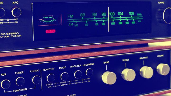 analogue buttons design 157557 720x405 - 日本におけるラジオ的メディア ー電波放送からvoicyまでー