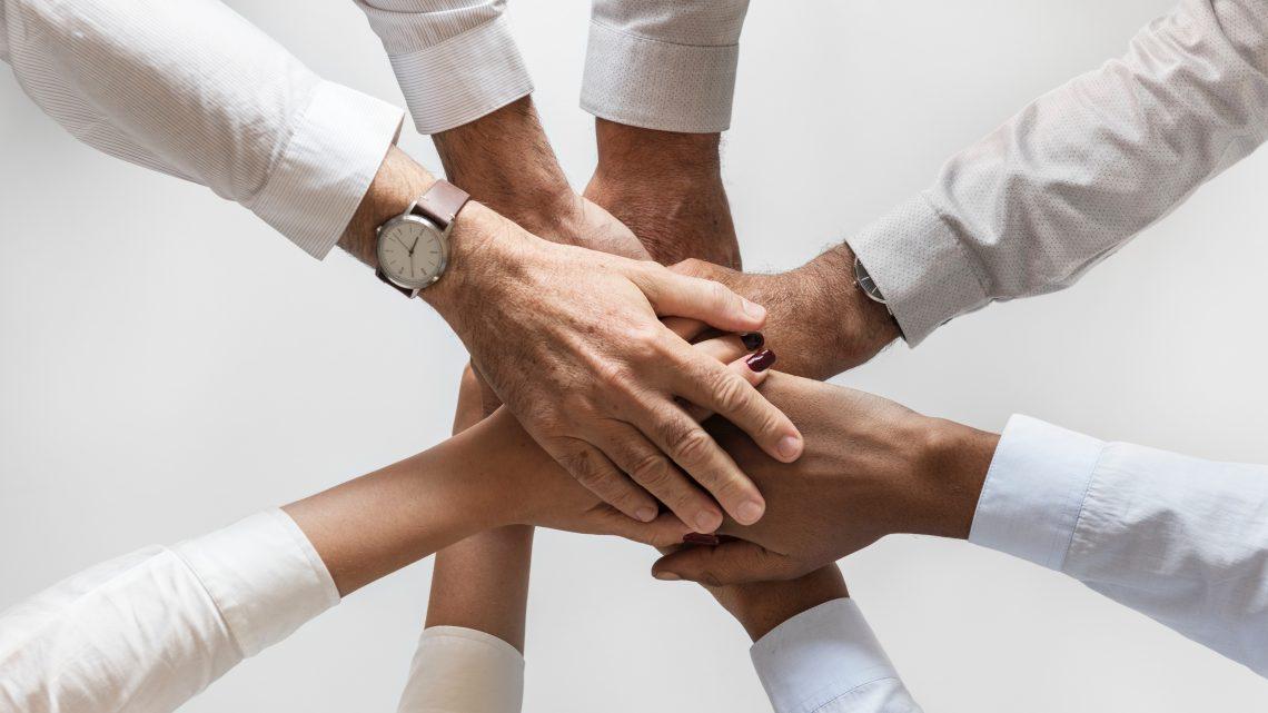 collaboration community cooperation 872955 1140x641 - チームビルディング4つのコツ